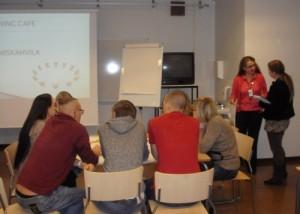 Pedagoginen kehittämistehtävä, simulaatiopedagogiikan soveltaminen opetuksessa
