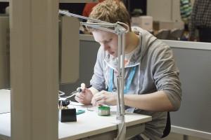 Opiskelijoiden yrittäjämäistä toimintaa tukevat opetusmenetelmät -jutun kuvitusta