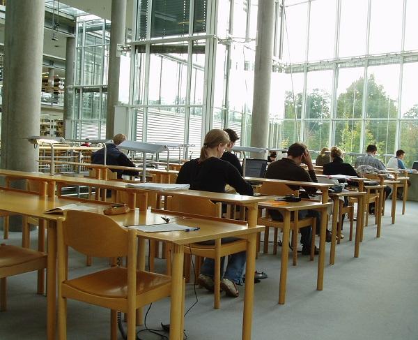 Ohjausosaamisella voidaan tarttua myös opiskelun keskeyttämiseen.