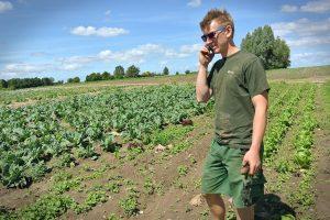 farmer-657343_1280